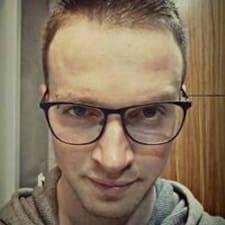 Krzysztof的用戶個人資料