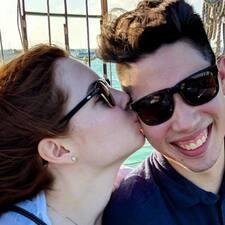 Profil utilisateur de Josh And Abby