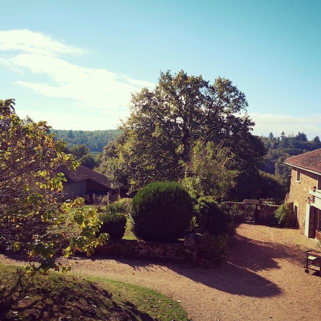 Le Petit Boudoir ❤️ Places to go