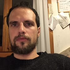 Profil Pengguna Adriano