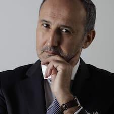 Karim es superanfitrión.
