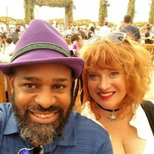 Christi & Torbin님의 사용자 프로필