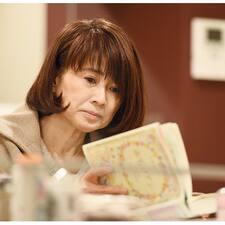 Tomoko felhasználói profilja