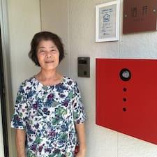 Henkilön 靖子 käyttäjäprofiili