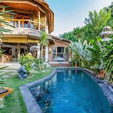 Perfil de usuario de Tropical Modern, Spacious Eco Villa