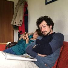 โพรไฟล์ผู้ใช้ Simon