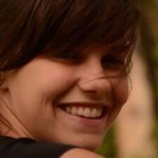 Mirella Sofía User Profile