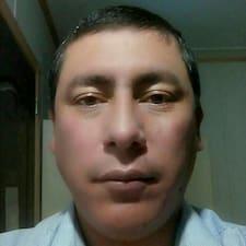 โพรไฟล์ผู้ใช้ Yirseo Ricardo