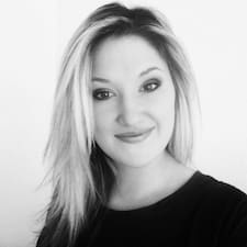 Adélaïde felhasználói profilja