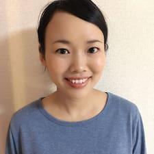 Dowiedz się więcej o gospodarzu Yumi