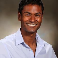 Το προφίλ του/της Surojit