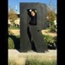 โพรไฟล์ผู้ใช้ Rania