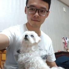 โพรไฟล์ผู้ใช้ Yu Chou