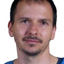 Iztok User Profile