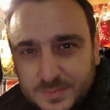Profil Pengguna Kostas