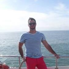 András felhasználói profilja