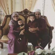 โพรไฟล์ผู้ใช้ Mohd Nadi Adha