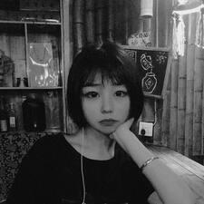 杨贝妮 User Profile