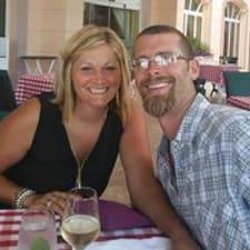 Todd & Lisa Superhost házigazda.
