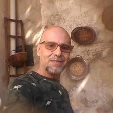 Raffaele bir süper ev sahibi.