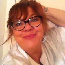 โพรไฟล์ผู้ใช้ Anne Christele