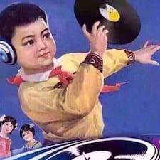坤 felhasználói profilja