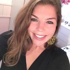 Andrea Elisabeth felhasználói profilja