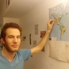 Léo User Profile