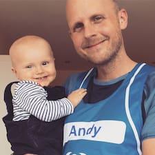 Dowiedz się więcej o gospodarzu Andy
