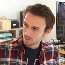 Profil Pengguna Hugo
