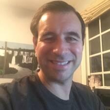 Profil korisnika Benjamin Stratton