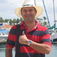 Jose Maria je Superhost.