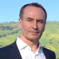 Yves-Andre felhasználói profilja