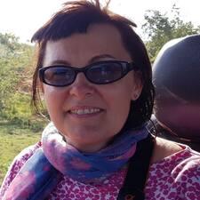 Agnieszka Zbigniew is a superhost.