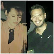 Tania And Kostas Brukerprofil