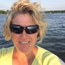 โพรไฟล์ผู้ใช้ Linda