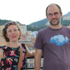 Céline Et Nicolas est un Superhost.
