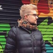 Profil Pengguna Conor