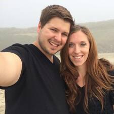 Το προφίλ του/της Sarah And Julian