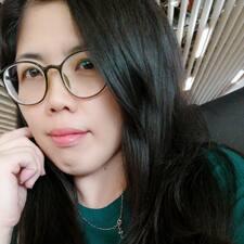 โพรไฟล์ผู้ใช้ Karen Tan