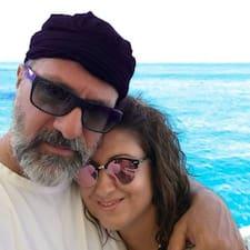 โพรไฟล์ผู้ใช้ Anna & Michalis