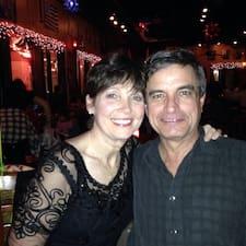 Zjisti více o hostiteli Sharon & Steve