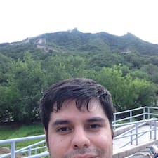 Profil Pengguna Carlos Antonio