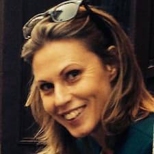 Eva Charlotta felhasználói profilja