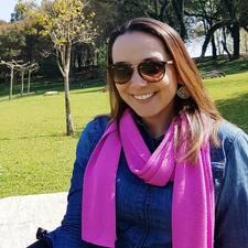 โพรไฟล์ผู้ใช้ Ana Elise
