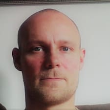 Ville felhasználói profilja