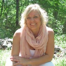 Кориснички профил на Anne