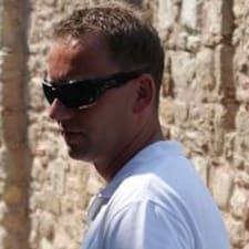 Profil Pengguna Tomek