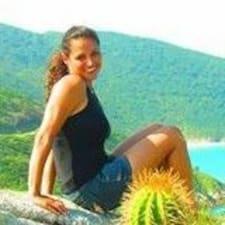 โพรไฟล์ผู้ใช้ Ana Carolina
