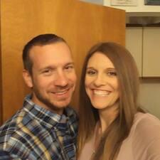 โพรไฟล์ผู้ใช้ Laura & Treven